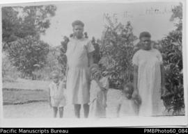 Two ni-Vanuatu women and children