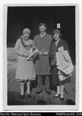 Rita and Frank Paton with Edith on Sydney wharf