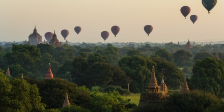 Image of hot air balloons over temples in Bagan, Myanmar