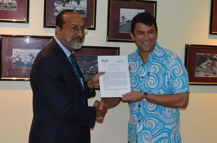 USP Vice-Chancellor and President, Professor Rajesh Chandra, and Director of the Coral Bell School of Asia Pacific Affairs at ANU, Professor Michael Wesley, at the MOU signing